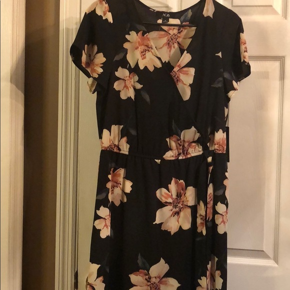 AGB Dresses & Skirts - AGB faux wrap dress size M.High:low maxi dress